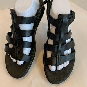 ECCO flat black sandals new never worn 11M strappy